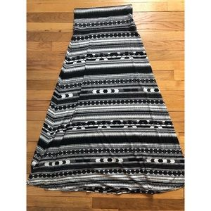 Black and White Patterned Maxi Skirt